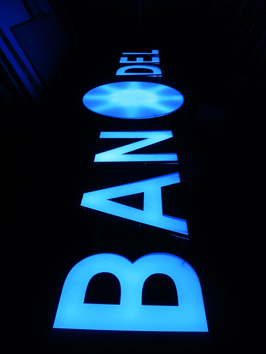 BANDEL 様 LED表面発光 施工実績2