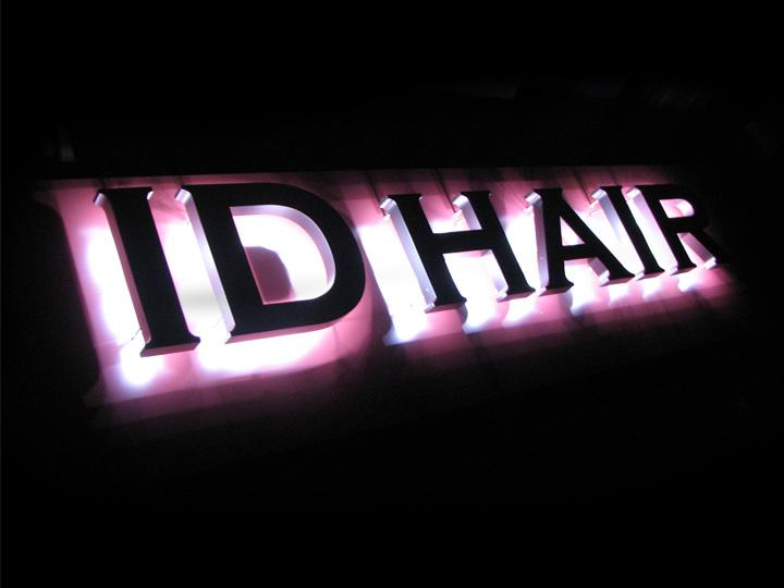 ID HAIR LEDバックライト 施工実績4
