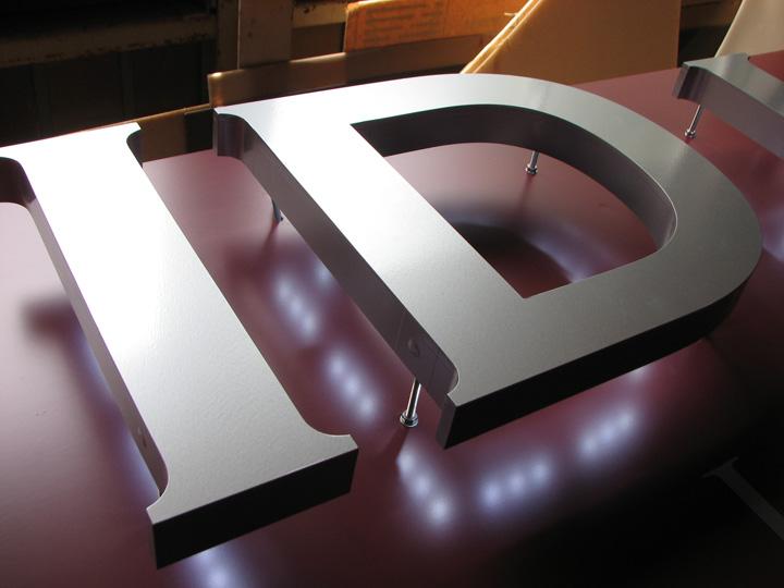 ID HAIR LEDバックライト 施工実績6