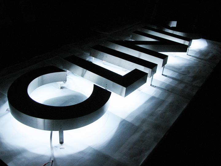 ロータス歯科クリニック LEDバックライト 施工実績4