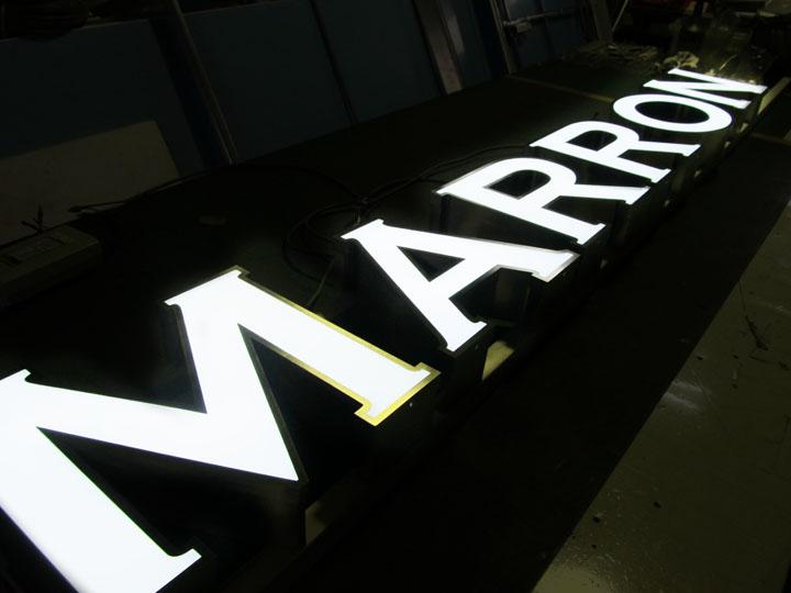 MARRON 様 LED表面発光 施工実績1