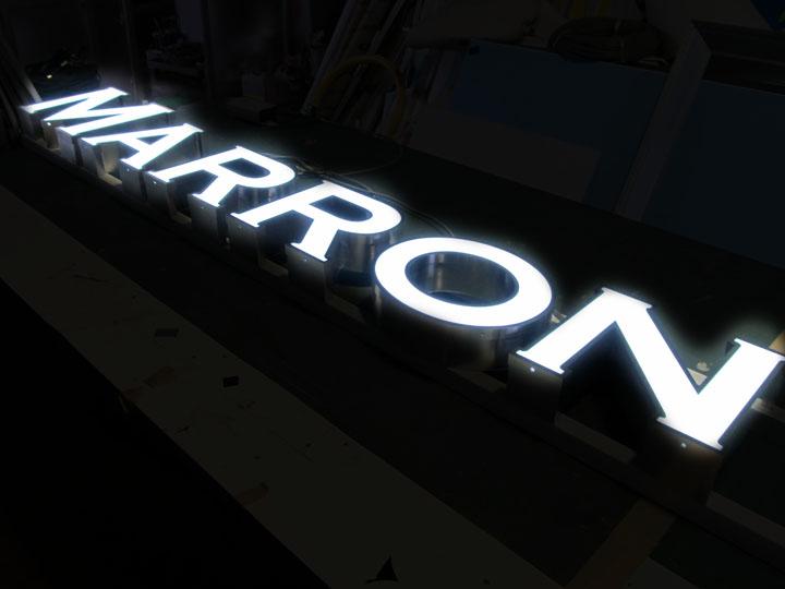 MARRON 様 LED表面発光 施工実績2
