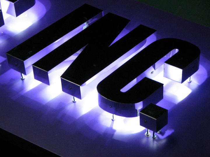 仙台リーディング LEDバックライト 施工実績3
