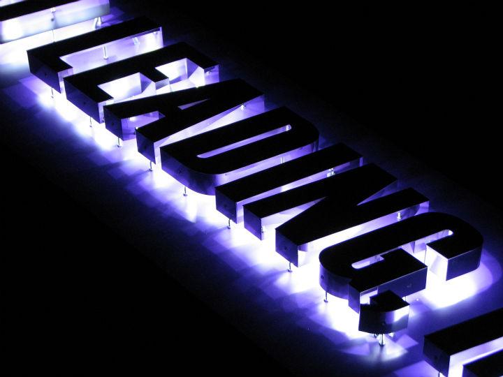 仙台リーディング LEDバックライト 施工実績7