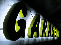 GARAGE 102 様 LEDバックライト 施工実績